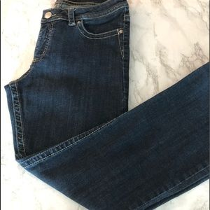 Lee low rise jeans. Straight leg . Size 12